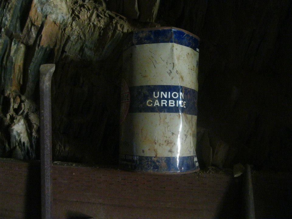 Tin of calcium carbide